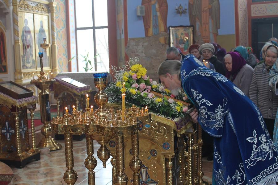 Вернуться к александро-невский кафедральный собор г киров: богослужение в день троицкой родительской субботы